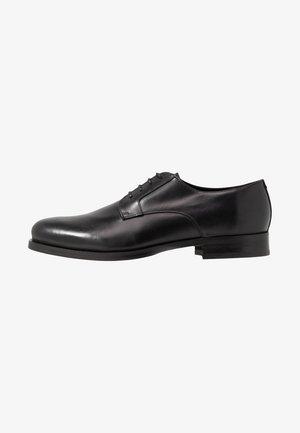 SENNIT - Stringate eleganti - black