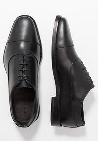 Tiger of Sweden - SINTER - Zapatos con cordones - black - 1