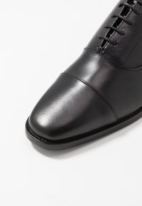 Tiger of Sweden - SINTER - Zapatos con cordones - black - 6