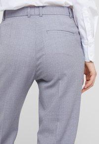 Tiger of Sweden - YULIA  - Spodnie materiałowe - soft lavender - 3