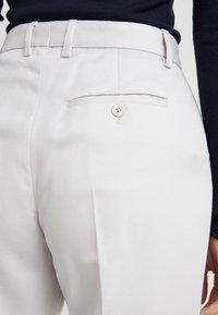 Tiger of Sweden - HOLLEN  - Trousers - white - 3