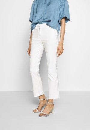 NOORA 2 - Pantalon classique - star white