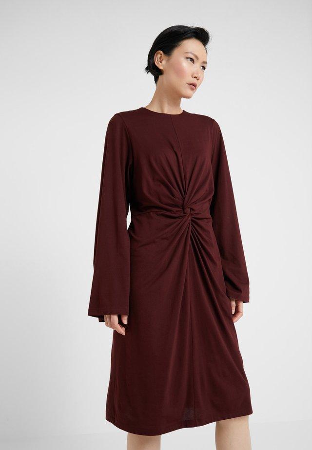 SKILLA - Jersey dress - wine
