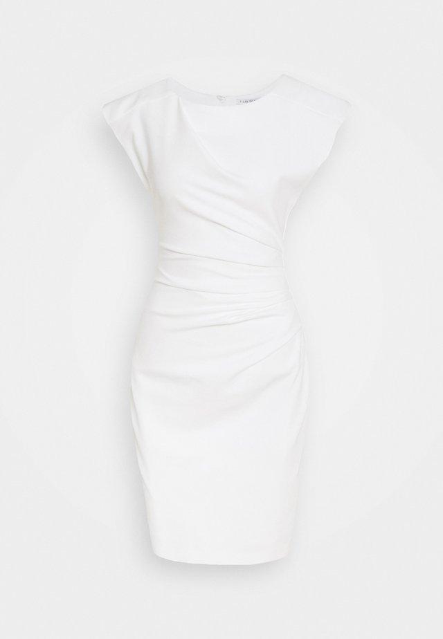 MISTRETCH - Pouzdrové šaty - bright white