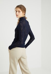 Tiger of Sweden - CLASSY - Sweter - midnight blue - 2