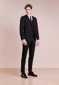 Tiger of Sweden - GORDON - Pantalon de costume - black - 1