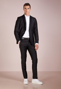Tiger of Sweden - TERRISS TUXEDO PANTS - Suit trousers - black - 1