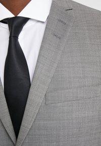 Tiger of Sweden - S.JILE - Suit - light grey melange - 9
