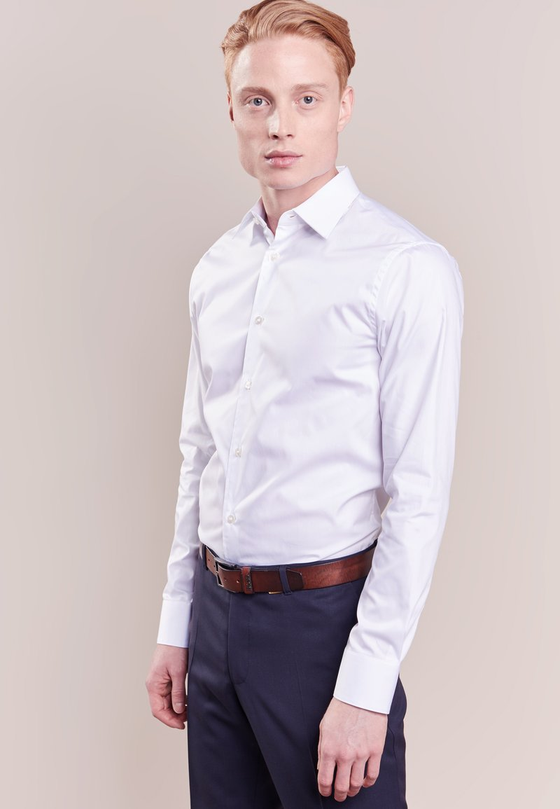 Tiger of Sweden - FARRELL SLIM FIT - Formal shirt - white
