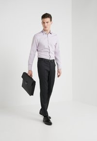 Tiger of Sweden - FERENE SLIM FIT - Formal shirt - bordaux - 1