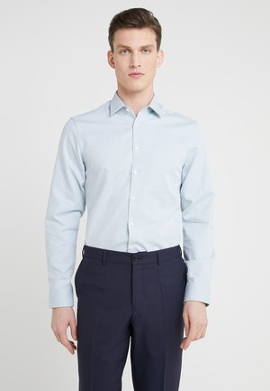 FERENE SLIM FIT - Business skjorter - green
