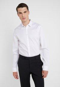 Tiger of Sweden - FERENE SLIM FIT - Camicia elegante - white - 0