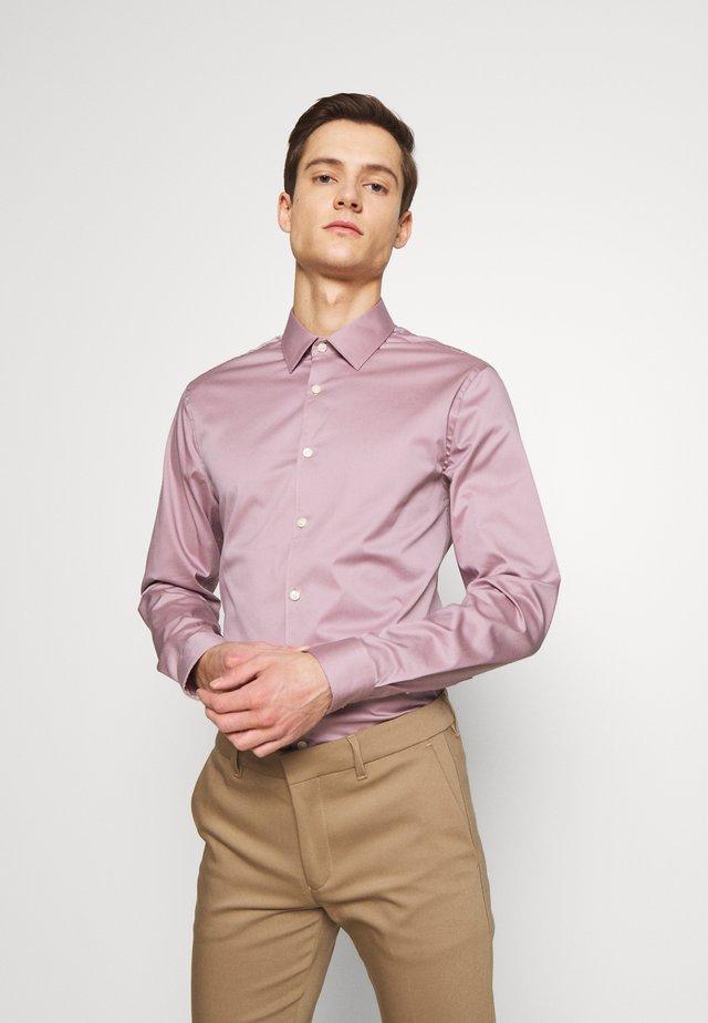FILBRODIE - Kostymskjorta - pale lilac