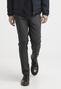 Tiger of Sweden - HERRIS - Pantaloni eleganti - dark grey - 3