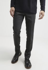 Tiger of Sweden - HERRIS - Pantaloni eleganti - dark grey - 0