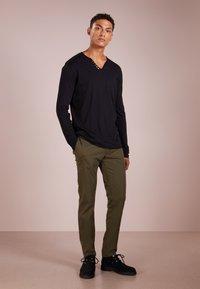 Tiger of Sweden - Pantalon classique - olive - 1