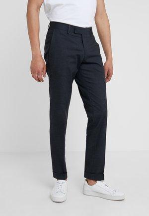 TILMAN - Spodnie materiałowe - soft blue