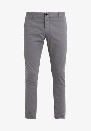 TRANSIT  - Chinot - light stone grey