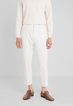 CONE  - Pantaloni - daisy white
