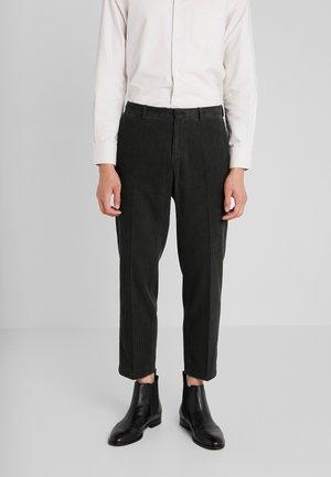 CONE  - Trousers - dunkelgrün