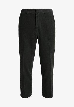 CONE  - Pantalones - dunkelgrün