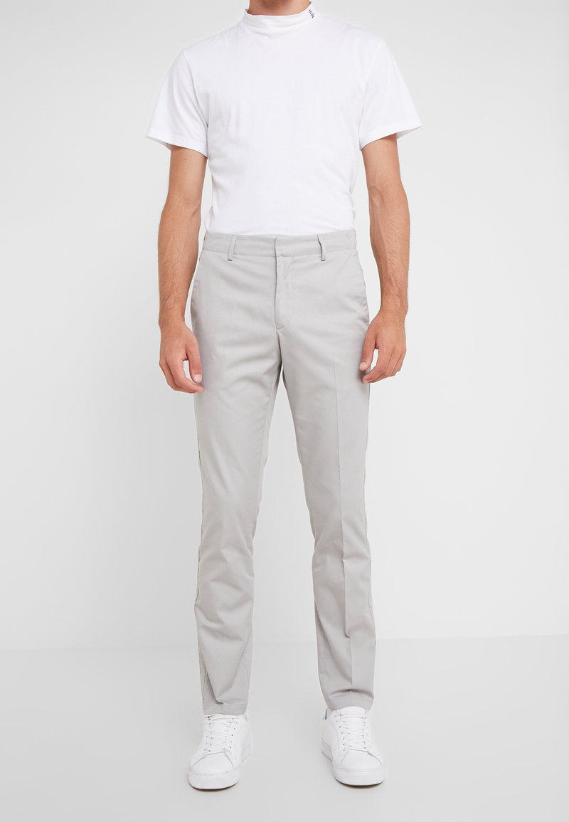 Tiger of Sweden - TAPEMAIN - Trousers - light gray