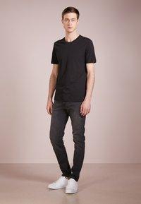 Tiger of Sweden - LEGACY - T-shirt basique - black - 1