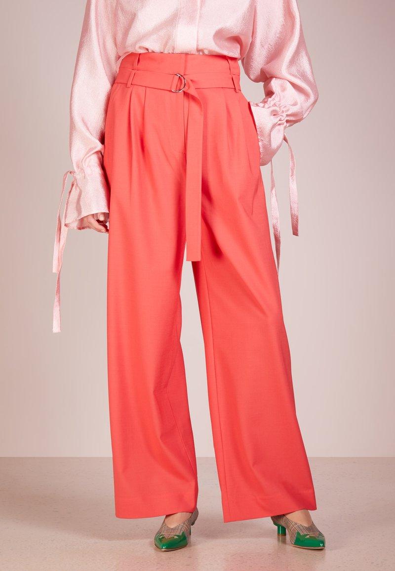 Tibi - STELLA PANT - Pantalon classique - rasperry