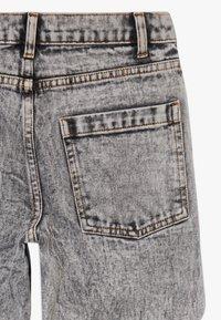 TINYCOTTONS - TINY BAGGY  - Straight leg jeans - snowy black - 4