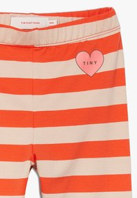 TINYCOTTONS - HEART STRIPES PANT - Legíny - light nude/red - 3