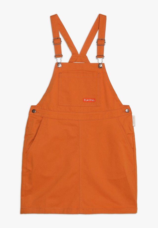 PLAYFUL SHORT DRESS - Denní šaty - brown