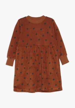 SMALL APPLES DRESS - Vestido informal - brown/bottle green