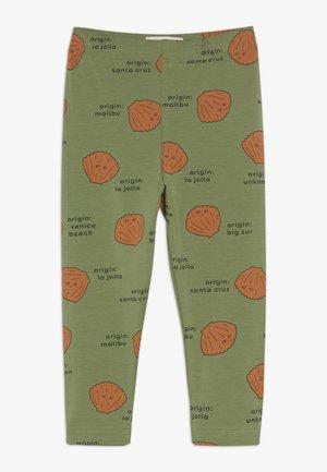 SHELLS PANT - Leggings - green wood/brown