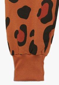 TINYCOTTONS - ANIMAL PRINT - Tracksuit bottoms - brown - 3