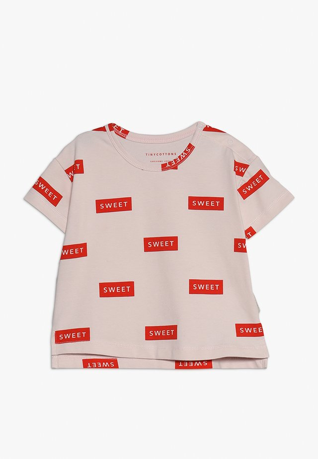 SWEET TEE - Print T-shirt - pearl/red
