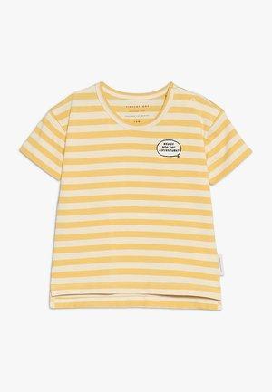 ADVENTURE STRIPES TEE - Camiseta estampada - cream/canary