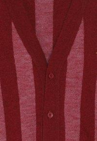 TINYCOTTONS - STRIPES CARDIGAN - Kardigan - burgundy/bubble gum - 3