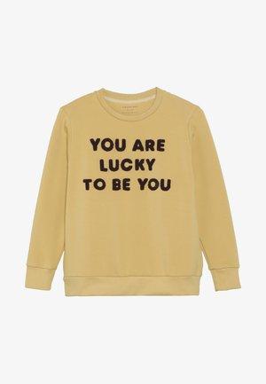 YOU ARE LUCKY - Sudadera - sand/aubergine