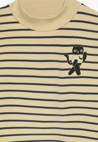 TINYCOTTONS - CAT  - Sweatshirts - sand/true navy - 4