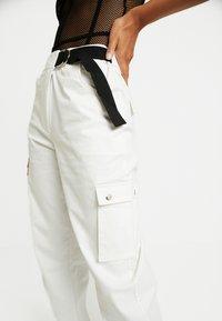 Tiger Mist - ALIYAH CARGO PANT - Broek - white - 5