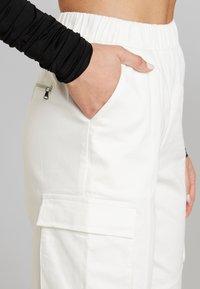 Tiger Mist - CHARIS PANT - Bukse - white - 4