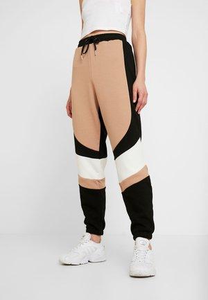 TENYA PANT - Spodnie treningowe - tan