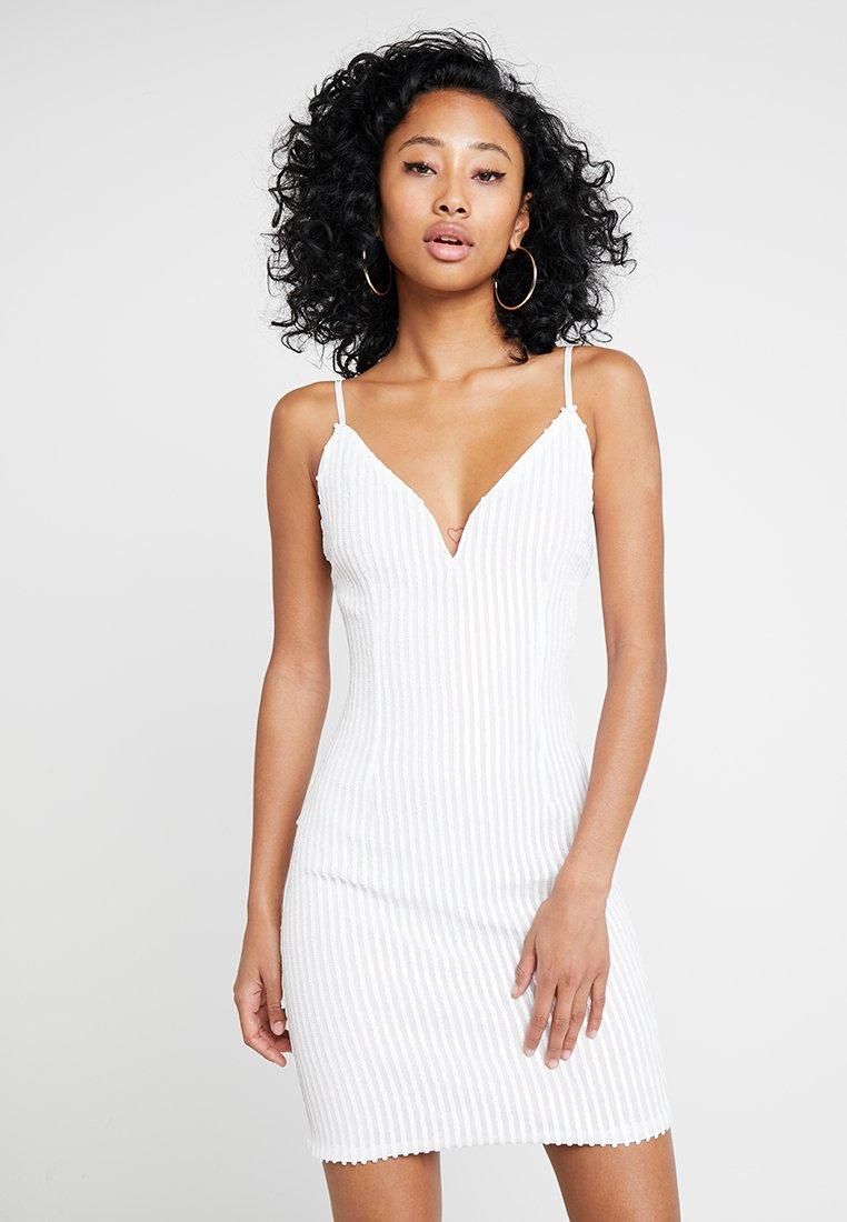 Tiger Mist - TIFFANY DRESS - Koktejlové šaty/ šaty na párty - white
