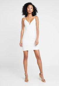 Tiger Mist - TIFFANY DRESS - Koktejlové šaty/ šaty na párty - white - 1