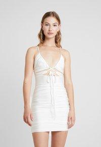 Tiger Mist - LONDYN DRESS - Etui-jurk - white - 0