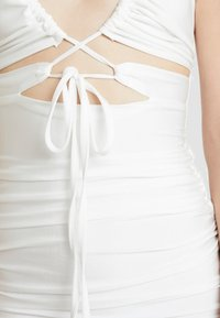 Tiger Mist - LONDYN DRESS - Etui-jurk - white - 4