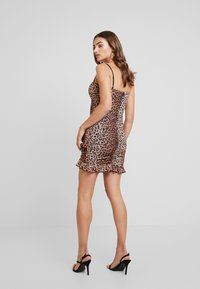Tiger Mist - MILLIE DRESS - Etui-jurk - brown - 2