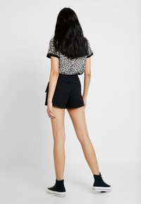 Tiger Mist - ALIYAH - Shorts - black - 0