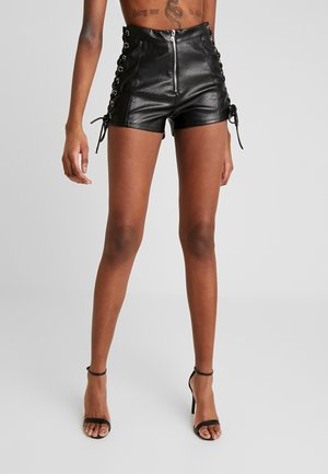 AKILA - Shorts - black