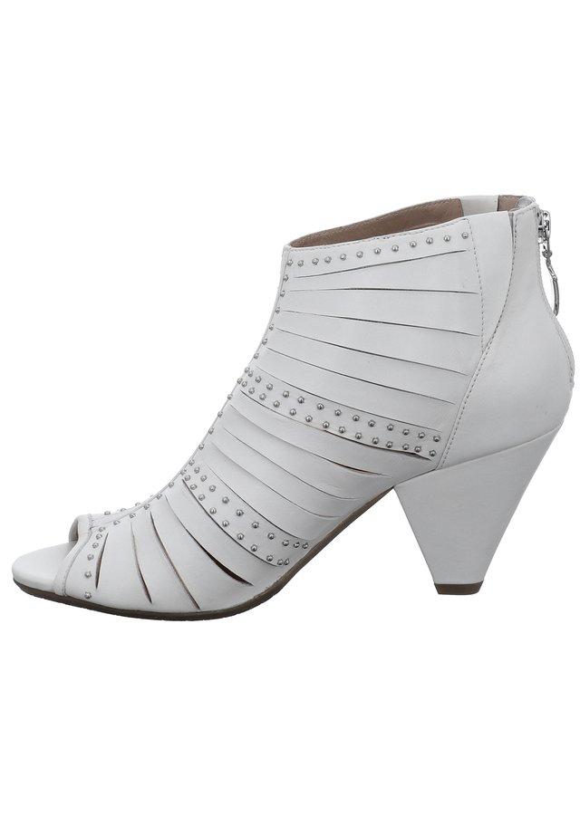 TIZIAN BIBIONE 01 - Peeptoe heels - weiss